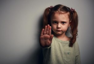 کودک آزاری + قصه صوتی