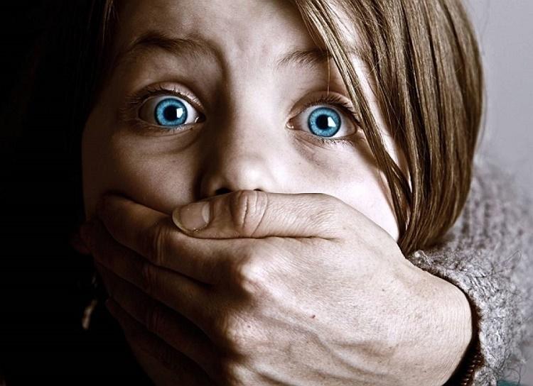 کودک آزاری جنسی و روش مقابله با آن+قصه شب