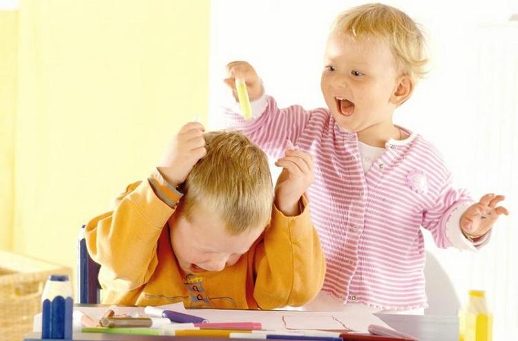 کنترل کودکان شیطان + قصه کودکانه