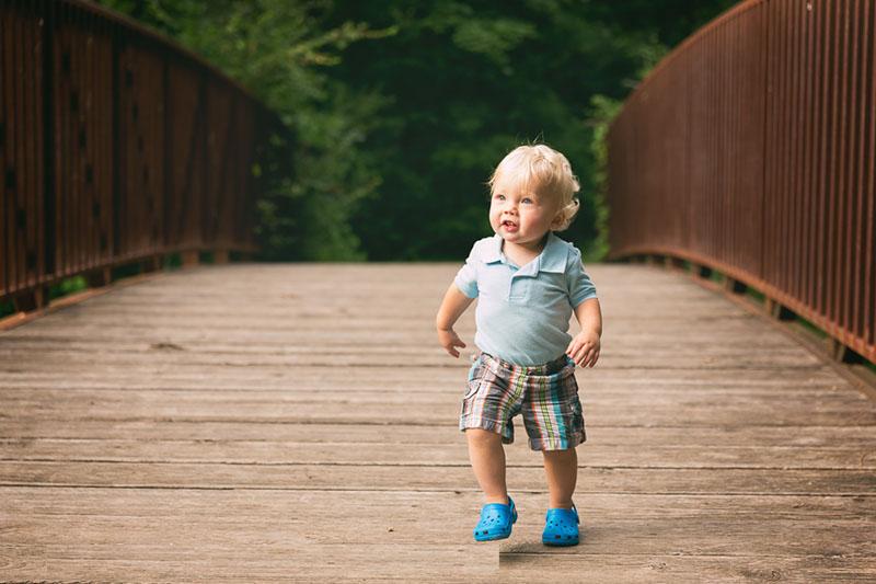 مراحل راه رفتن کودک + سن راه افتادن کودک