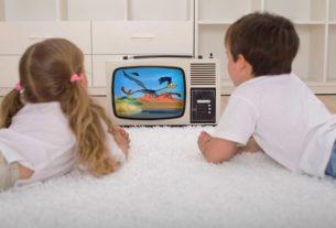 تماشای زیاد تلوزیون توسط کودک + قصه صوتی
