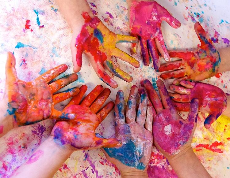نقاشی کودک و افزایش مهارت های آن + قصه شب