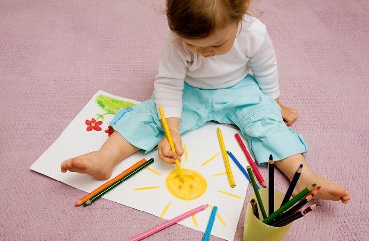 آموزش نقاشی به کودکان و آموزش مهارت از چه سنی باشد