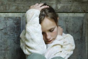 بی حوصلگی و افسردگی کودکان و روش های درمان آن + قصه کودک