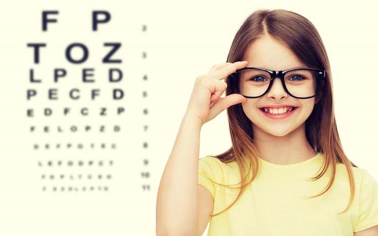 عوامل بروز مشکلات بینایی در کودک