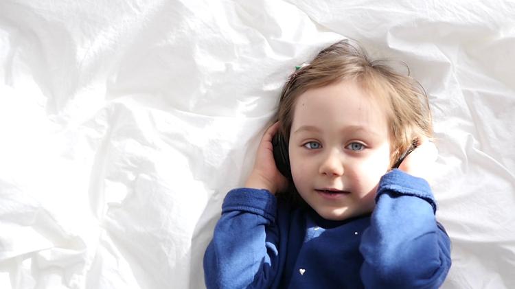 مهارت گوش دادن در کودکان