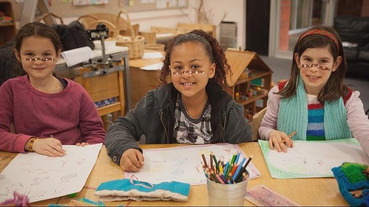 مهارت پدیرش دیگران در کودکان+ قصه کودکانه