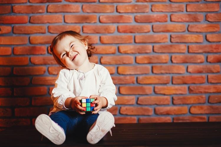 آموزش خوش رفتاری به کودکان در قالب داستان کودکانه